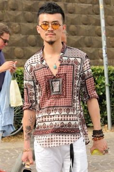 Men's Bohemian Fashion for Summer {Men's boho bohemian hippie fashion, style guide} Just because it's hot outside does not mean you can not look cool. Men's Bohemian Fashion for Summer {Men's Boho Hippie Fashion, Style Guide} Men's Summer Fashion. Boho Outfits, Bohemian Outfit Men, Bohemian Style Men, Stylish Mens Outfits, Stylish Clothes, Bohemian Clothing, Bohemian Summer, Summer Outfits, Casual Outfits