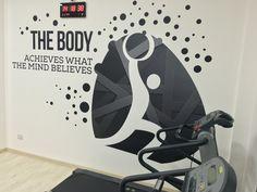 Stenzil decorazione parete palestra. #wall # #fitness #adesivo #muro