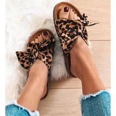 Παντόφλα Star με φιόγκο λεοπαρ Summer Shoes, Fashion Addict, Birkenstock, Slippers, Fashion Looks, Sandals, Stars, Summer Time, Zapatos