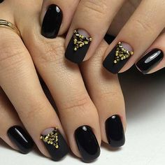 Black Matte Nail with a Pop of Gold