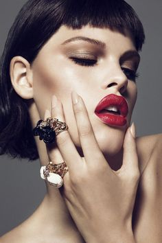 Jewelry editorial, beauty editorial, editorial fashion, miss dior Photography Tattoo, Makeup Photography, Jewelry Photography, Dior Makeup, Makeup Art, Eye Makeup, Makeup Ideas, Beauty Make-up, Beauty Shoot