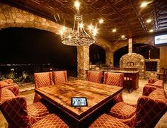 this would make an interesting living room...