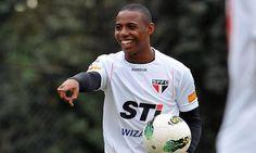 Sem espaço no São Paulo, o volante Wellington é o mais novo reforço do Vasco para o Campeonato Brasileiro, ele virá por empréstimo.