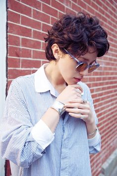 Casual, Messy Short Hairstyle - Short Haircut Ideas for Summer