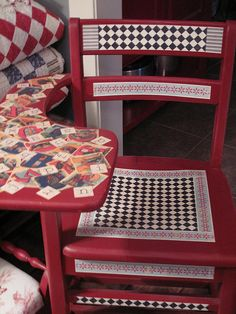Mod Podge Crafts.  Hmmmm, I have one of these chairs in the barn.