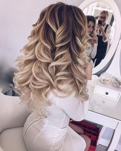 Her hair @antonina_romanova_