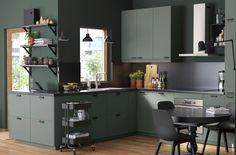 Unique s-shaped heart of the home - IKEA Kitchen Cabinets Fronts, Kitchen Worktop, Kitchen Dining, Kitchen Wall Panels, Kitchen Step Stool, Kitchen Gallery, Green Kitchen, Küchen Design, Kitchen Interior