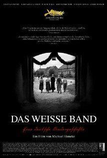 das weisse band Vanavond d.d. 23-10-2015 om 23.15 NPO 2 Das weisse Band. Deze film speelt zich af net voor de Eerste Wereldoorlog en schetst de wording van de generatie die de Tweede Wereldoorlog mogelijk maakte.