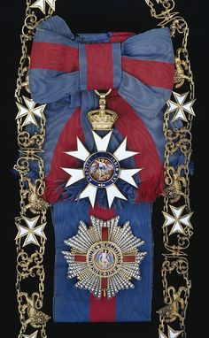 G.C.M.G., Knight Grand Cross set of insignia, comprising silver-gilt collar chain, sash badge, 85mm x 125mm, breast star, 85mm, Hardinge.