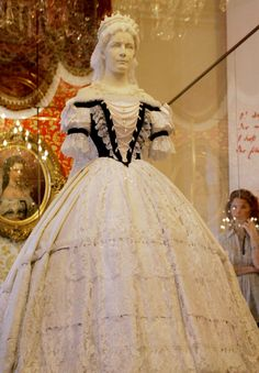 Reproduction of a gown worn by Sisi, Empress Elisabeth of Austria and Queen of Hungary. More: http://jezebel.com/the-most-miserable-princess-ever-sisi-empress-elisab-1671950113