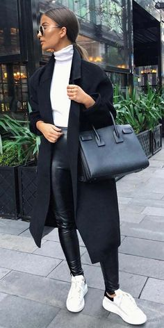 Searching for coats for winter find womens fall coat winter outfits coat coat style. Cute coat outfits for every day of the month. Winter coats women via Winter Coat Outfits, Winter Fashion Outfits, Look Fashion, Fall Outfits, Autumn Fashion, Fashion Women, Black Outfits, Outfits For Paris, Fashion Pants
