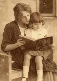 ♛ Vintage Photo mother and child reading together ♛ People Reading, Woman Reading, Kids Reading, Reading Books, Reading Lessons, Reading Skills, I Love Books, Good Books, Books To Read
