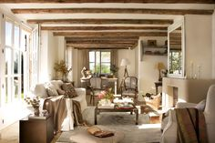 32 Rustic Winter Decor for Living Room Ideas Cute Living Room, Home And Living, Living Room Decor, Living Spaces, Rustic Winter Decor, Spanish Interior, Cottage Interiors, Home Furnishings, Sweet Home