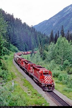 High quality photograph of Canadian Pacific Railway EMD # CP 5876 at Rogers Pass, British Columbia, Canada. Scenery Pictures, Train Pictures, Train Tracks, Train Rides, Diesel, Canadian Pacific Railway, Holiday Train, Abandoned Train, Railroad Photography