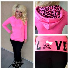 Loveee it all<3 I have an outfit like this! <3<3
