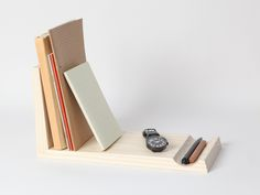 2dots:  2dots design : Spotlight : Nobi notebook stand by Pana Objects