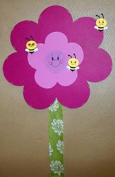 Glora's Crafts: Pin the Bee on the Flower Game