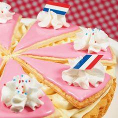 Tompoucetaart Dutch Recipes, Sweet Recipes, Cake Recipes, Dessert Recipes, Cupcakes, Cake Cookies, Cupcake Cakes, Sweets Cake, Cookie Desserts