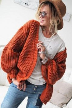 Cool and Stylish Crochet Cardigan Patterns and Idea Images - Page 42 of 55 - Beauty Crochet Patterns! Orange Cardigan Outfit, Cardigan Outfits, Crochet Clothes, Diy Clothes, Black And White Outfit, Crochet Cardigan Pattern, Crochet Patterns, Crochet Woman, Casual Fall Outfits