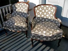 From chairloom: Another pair of vintage beauties redone in Trina Turk's bold outdoor print.