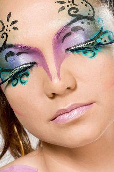 swirly eye makeup