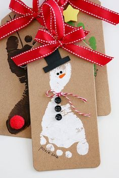 Snowman Footprint Christmas Ornament | Handprint and footprint Christmas Ornaments Christmas Gifts For Toddlers, Toddler Christmas Crafts, Grandparents Christmas Gifts, 2017 Christmas Gifts, Toddler Crafts, Xmas Gifts, Preschool Christmas, Christmas Activities, Diy Crafts For Kids