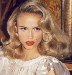 Volume, classic hairstyle / Objętość zawsze w modzie! Klasyczne fale świetnie sprawdzą się czasie świąt!