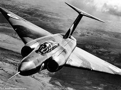 Gloster JAVELIN >>> twin-engined T-tailed delta-wing subsonic night and all-weather interceptor aircraft Military Jets, Military Aircraft, War Jet, Air And Space Museum, Pictures Of The Week, Aircraft Design, Jet Plane, Royal Air Force, Aviation Art