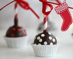 Kransekake Cake Pops Norwegian Food, Norwegian Recipes, Girls Shopping, Cake Pops, Catering, Muffins, Sweets, Diy Crafts, Snacks