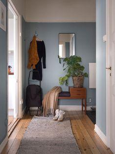 Home Interior, Interior Design Living Room, Interior And Exterior, Interior Decorating, Minimalist House Design, Minimalist Home, Eclectic Furniture, Apartment Design, Living Spaces