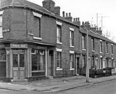 Pomona Street from junction with Pear Street, Sharrow. No Pomona Street, Rising Sun P. Sheffield Pubs, Bramall Lane, Sources Of Iron, Industrial Development, Rising Sun, Derbyshire, Artist Painting, Black History, Old And New