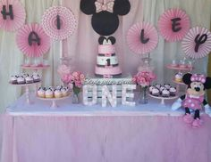 Minnie Mouse Decoration Ideas for Birthday New Decoration Table Minnie Minnie Mouse Decorations, Minnie Mouse Theme Party, Minnie Mouse 1st Birthday, Minnie Mouse Baby Shower, Barbie Birthday, Disney Birthday, Mouse Parties, Minnie Mouse Table, Minnie Baby