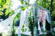 romantic wedding ceremony place fot. Kinga Herok