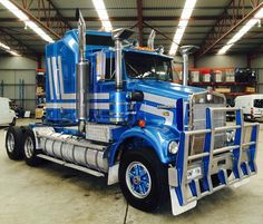 Kenworth SAR Kenworth Trucks, Peterbilt, Cool Trucks, Big Trucks, Old Bangers, Truck Festival, Trailer Storage, Road Train, Cab Over