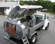 Unique BBQ Grills | AWESOME BB-GRILL ON WHEEL;-) | Custom bbq pits