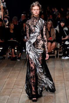 Sfilate Alexander McQueen Collezioni Primavera Estate 2016 - Sfilate Parigi - Moda Donna - Style.it