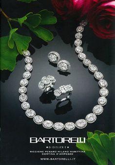 Parure composta da collier e orecchini in diamanti e brillanti su oro bianco by Bartorelli Maison