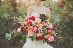 Fabulous Floral Trends For 2014 | Wedding Ideas see more at http://www.wantthatwedding.co.uk/2014/02/18/fabulous-floral-trends-for-2014-wedding-ideas/