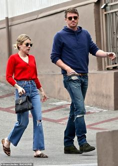 Emma Roberts Style, Garrett Hedlund, Casual Outfits, Fashion Outfits, Denim Outfits, Curvy Petite Fashion, Kendall Jenner Outfits, Tokyo Fashion, Everyday Fashion