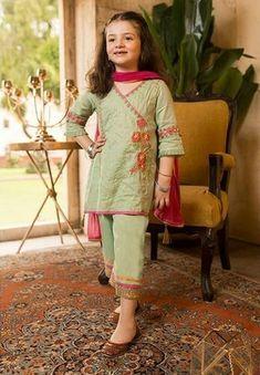 Stylish Dresses For Girls, Stylish Dress Designs, Frocks For Girls, Dresses Kids Girl, Baby Girl Dresses, Kids Outfits, Pakistani Kids Dresses, Beautiful Pakistani Dresses, Pakistani Dress Design