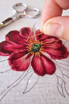 Wonderful Ribbon Embroidery Flowers by Hand Ideas. Enchanting Ribbon Embroidery Flowers by Hand Ideas. Embroidery Needles, Silk Ribbon Embroidery, Crewel Embroidery, Vintage Embroidery, Cross Stitch Embroidery, Flower Embroidery, Hand Embroidery Flowers, Embroidery Hoops, Simple Embroidery