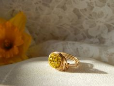 Sparkly yellow shamballa ring size US by TheJewelleryLoft, Street Look, Druzy Ring, Class Ring, Loft, Wedding Rings, Jewellery, Engagement Rings, Beads, Yellow