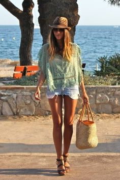 summer legs make anything look 10x better. love the fedora & color of blouse