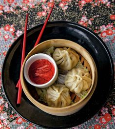 Chinese Soup Dumplings Recipe (with Pork & Crab) ~ http://steamykitchen.com