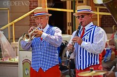 """Disneyland band"""