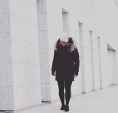 Urban Fitness, Winter Jackets, Fashion, Winter Coats, Moda, Winter Vest Outfits, Fashion Styles, Fashion Illustrations