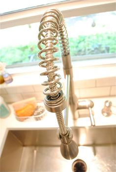 Gotta have it! Love this faucet!
