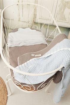 Wiegdeken Vizela. Prachtige deken voor de wieg of ledikant. http://www.babyandkidsonline.nl/wiegdeken-vizela of 't Zandmenke in Venlo #vizela #valencia #wafel