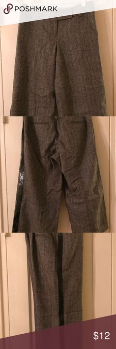 "Ann Taylor Loft Gaucho Pants Size 4 Cute black herringbone gaucho pants with a sequined trim down the hips.  Ann Taylor Loft size 4 measures:  16"" at waist 29"" waist to hem 20"" inseam  From a smoke free but cat friendly home Ann Taylor Loft Pants Capris"