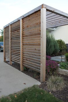 Louvered Garden Privacy Wall https://www.homedepot.ca/en/home/p.louver-hardware-system-for-decks-fences-pergolas--more--4-foot-kit.1000117979.html http://flexfence.com/showcase/deck-railings/